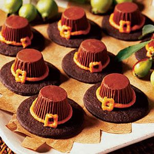 Thanksgiving Pilgrim Hat Cookies - Pinned from: Woman's Day: Thanksgiving Ideas, Wafer Cookies, Pilgrims Hats Cookies Lg, Famous Chocolates, Chocolates Wafer, Orange Frostings, Peanut Butter Cups, Thanksgiving Treats, Pipes Tips
