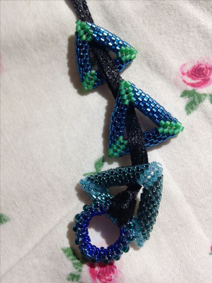 3D peyote 11/0 delica beads
