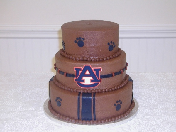Auburn Groom's Cake He's so not a fan... But i am
