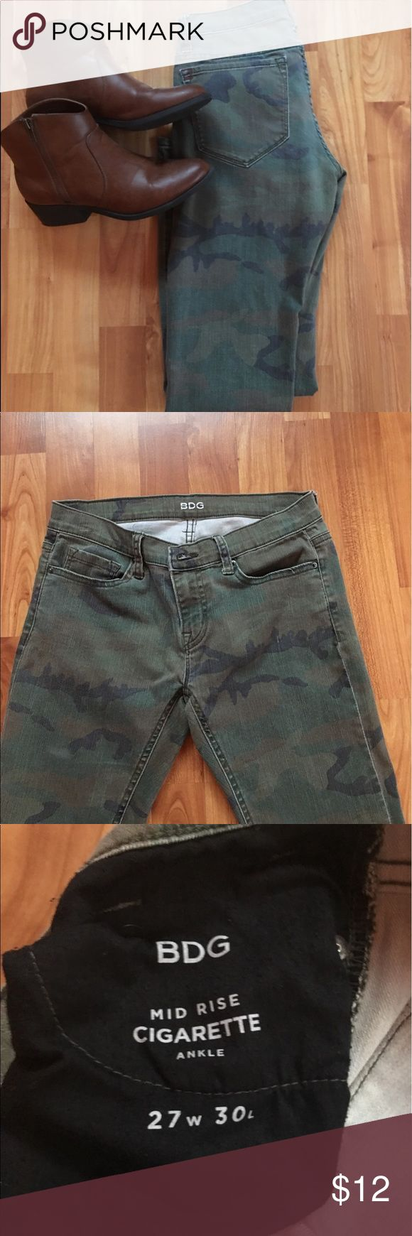 BDG camouflage skinny jeans! Good condition! BDG Jeans Skinny