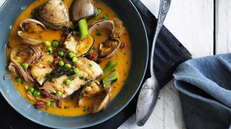 Blue-eye in a spicy broth with clams