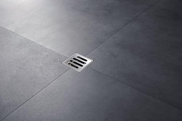 Le très petit avaloir de sol destiné aux douches de plain pied, bien plus compact que bon nombre d'avaloirs de sol conventionnels, ne mesure que 80 x 80 mm. ► [http://www.geberit.be/fr_be/target_groups/enduser/products_enduser/showers_3/floor_drain_2/floor_drain.html] ••• Het Geberit vloerputje voor inloopdouches is slechts 80x80mm groot en dus compacter dan vele klassieke vloerputjes. ►…