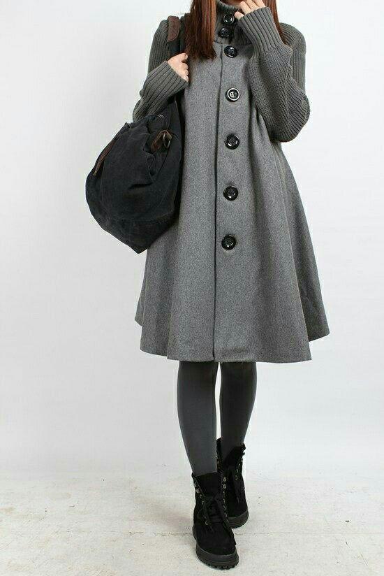 Abrigo con botones grandes, mangas y cuello tejidos...