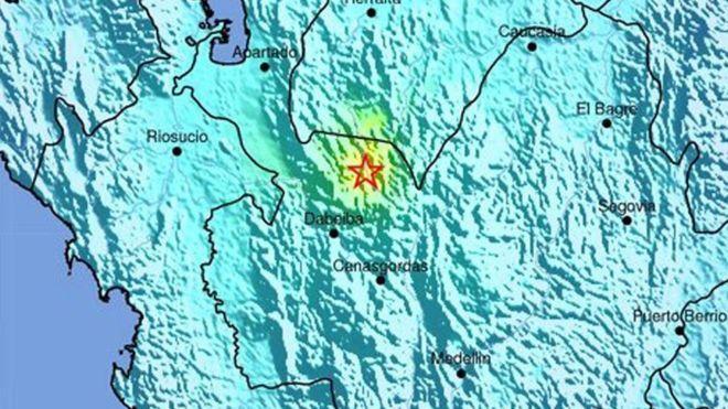 Sismo en Medellín El Servicio Geológico de Estados Unidos registró este martes un temblor de magnitud 5,9 en el noroeste de Colombia a las 20:58 hora local (01:58 GMT). El epicentro se ubicó en la localidad de Mutatá, a 129 kilómetros al norte de Medellín, capital del departamento de Antioquia. El Departamento Administrativo de Gestión del Riesgo de Desastres (DAGRD) confirmó a través de su cuenta de Twitter que hasta el momento no hay afectados en Medellín.