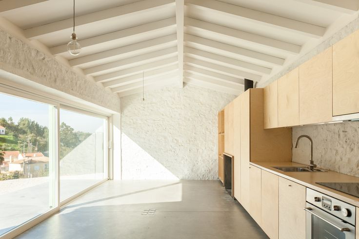 Image 1 of 44 from gallery of Chanca House / Manuel Cachão Tojal. Photograph by Francisco Nogueira