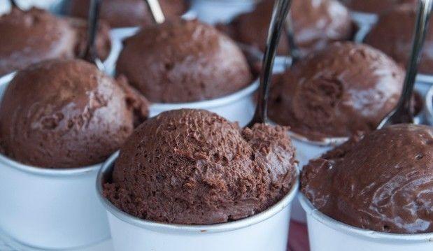 Μους σοκολάτα σε μορφή παγωτού, από τον Στέλιο Παρλιάρο!