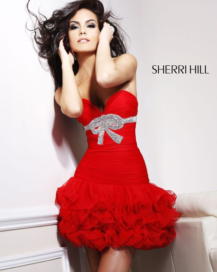 Sherri Hill 1473 is available now at Signature! Give us a call at 202-333-6333 or email us at signature1357@gmail.com for this gorgeous gown!