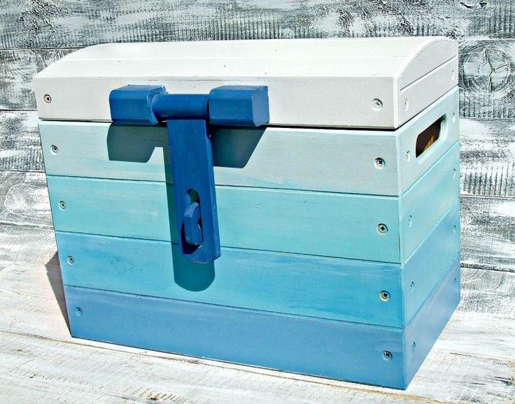 "Kufer skrzynia na zabawki ""Ombre Blue"" w Eco Manufaktura na DaWanda.com #niezchinzpasji"