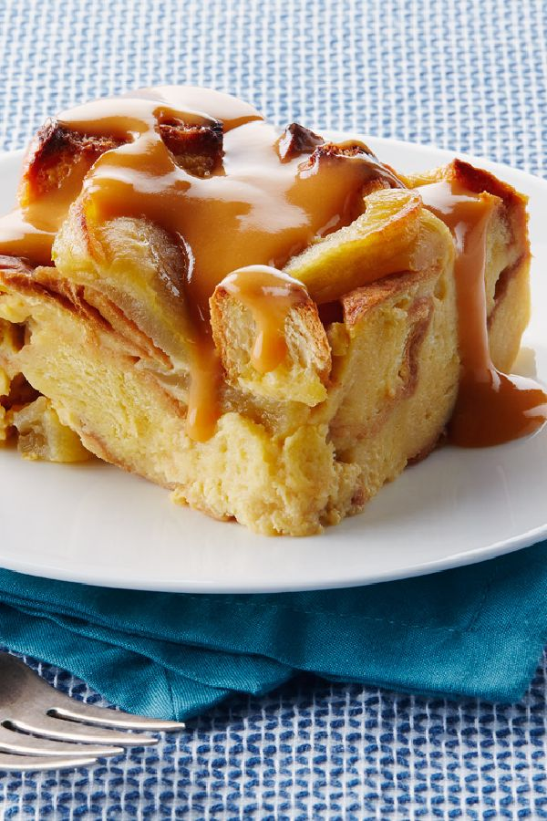 Slow-Cooker Apple Bread Pudding with Warm Butterscotch Sauce – This apple bread pudding with warm butterscotch is one of the more scrumptious recipes you could make in your slow cooker. Start unwrapping the caramels!