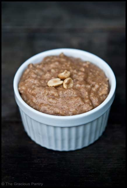 Clean Eating Peanut Butter Oatmeal...I can't wait to have this for breakfast tomorrow - or maybe an afternoon snack today!