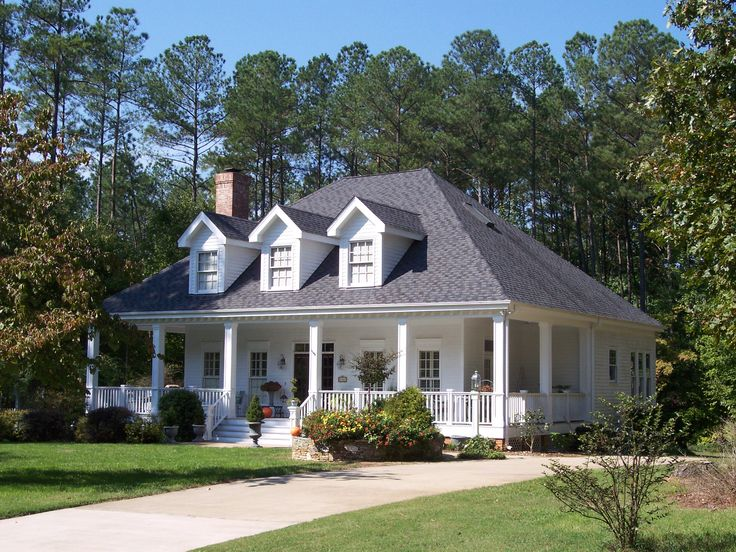 17 best images about houses on pinterest farmhouse plans for Southern style homes with wrap around porch
