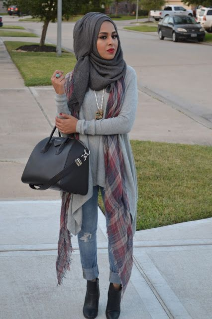Casual hijab style: grey hijab, long grey sweater tunic and distressed jeans. Plus a scarf to kill it.