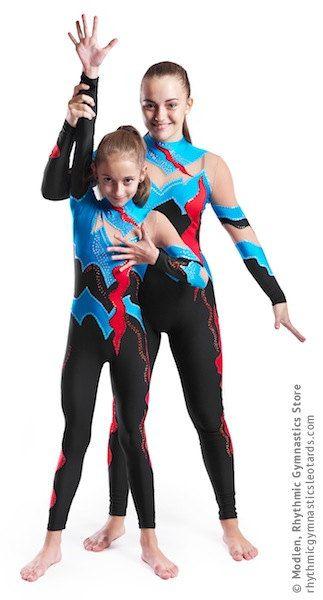De handgemaakte turnpakje is gemaakt van zwart & blauw stretch lycra, transparante mesh, bijvoegsels, ingericht door pailetten.  Om uw turnpakje helder en aantrekkelijk te maken, raden wij u de keuze uit 1000 elementaire kristallen, maar je kunt ook Swarovski kristallen kiezen voor je jurk.  Het turnpakje kan worden genaaid op je kiest voor een dergelijke vorm van sporten zoals Ritmische Gymnastiek Leotard, Ice Kunstschaatsen Dress, Acrobatische Gymnastiek Gympak, Jumpsuit Costume of Danc...