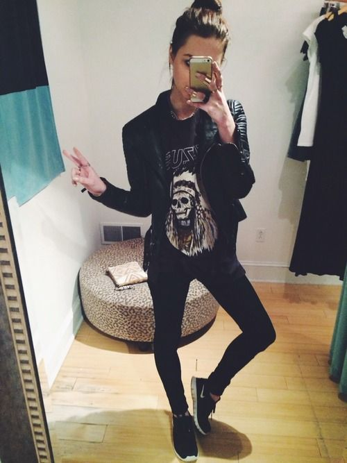 black graphic tee, black skinny jeans or leggings, black leather jacket, black running shoes. (although personally, I would trade the shoes for boots or converse). edgy, tomboy, skater, casual, lounge, hangout, fall outfit.