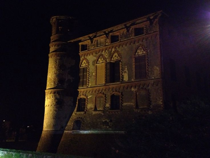 Castello di Piovera by night!
