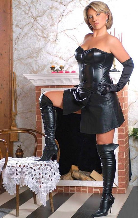 Sex having leather Hot women in boots
