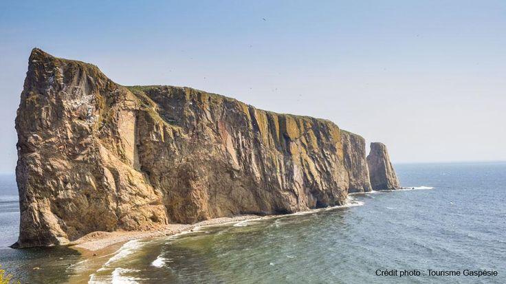 Découvrez les merveilles de la Gaspésie avec son Rocher Percé, ses fous de bassan, son jardin de Métis et plus encore!