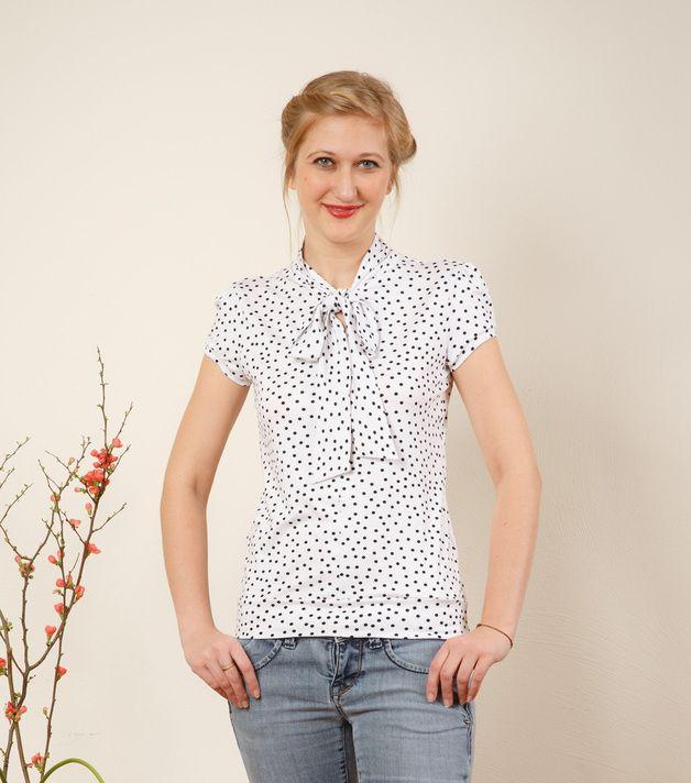 Weiße Bluse mit Punkten // white blouse with dots by Jekyll und Kleid via DaWanda.com