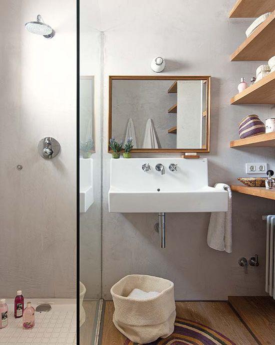 Une jolie petite salle de bains.