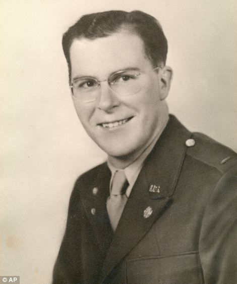 Stanley Armour Dunham, President Barack Obama's Grandfather, a soldier in Normandie in 1944