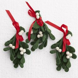 Felt Mistletoe Craft