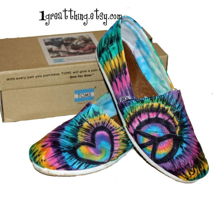 Tie Dye TOMS Shoes - Peace and Love - hand dyed and custom made - by One Great Thing | via Etsy.Tom Peace, Signs Shoes, Shoes Hands, Hands Painting Tom Shoes, Peace Signs, Dyes Tom, Ties Dyes, Hands Dyed, Tye Dyes