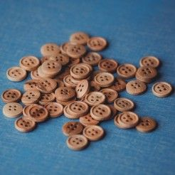 Olive Wood Button – natural olive 4 hole 11 mm