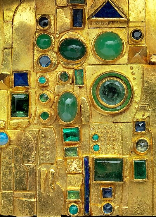 Hermann Jünger / Detail of a brooch-1970-72 Gold, emeralds, chrysoprase, sapphires, opals, lapis lazuli, and enamel.