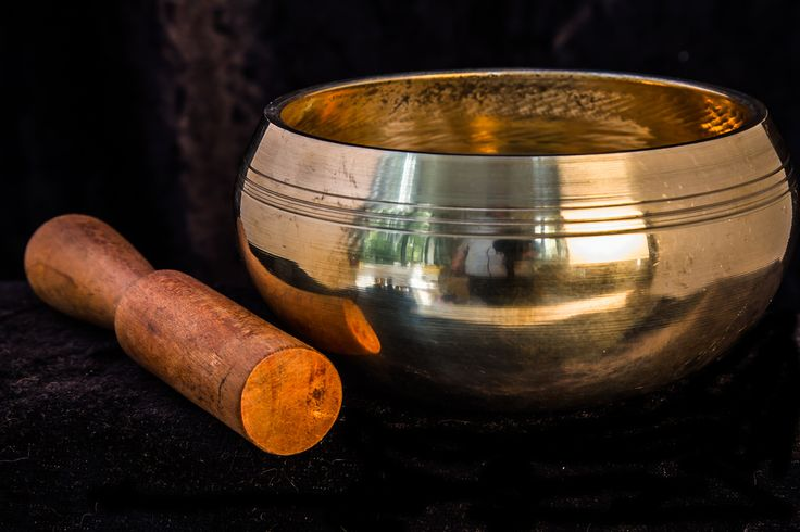 Brass Bowl  +.     Dimensions: 12cm.  Material: brass and copper  A beautiful brass and copper bowl, very solid and heavy for it's size. Plays beautifully. Sand cast and machine finished.     Comes in either F and G notes, which are the Heart Chakra (F) and the Throat Chakra (G).  Price: $60.00 (NZD)