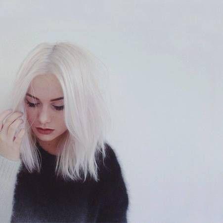 Cheveux blancs decolores