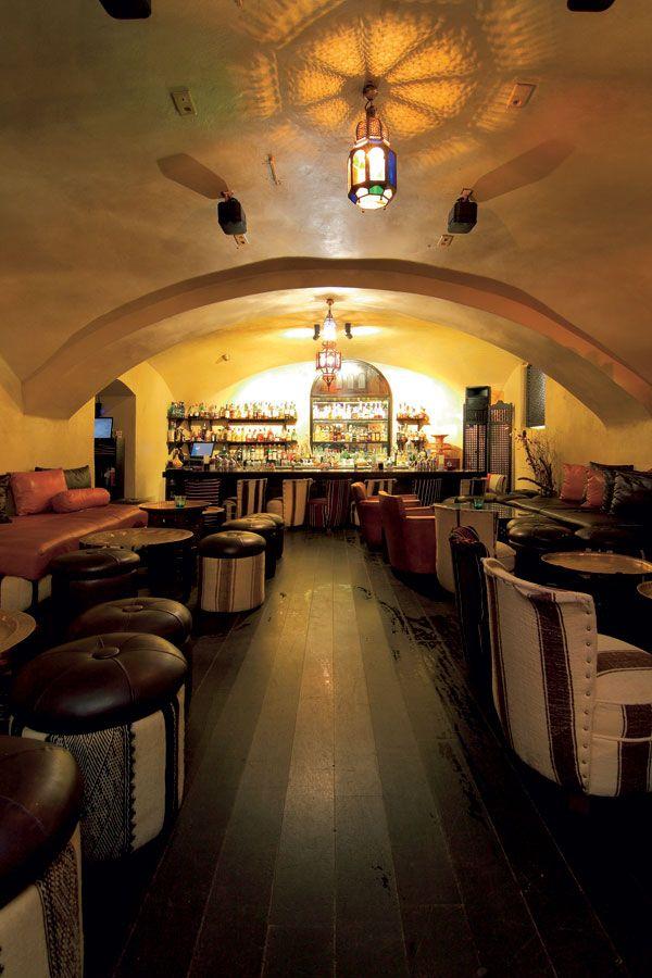 Všetko, čo sa v priestoroch baru a reštaurácie nachádza, pochádza priamo z Maroka #ASB #interior #design #café