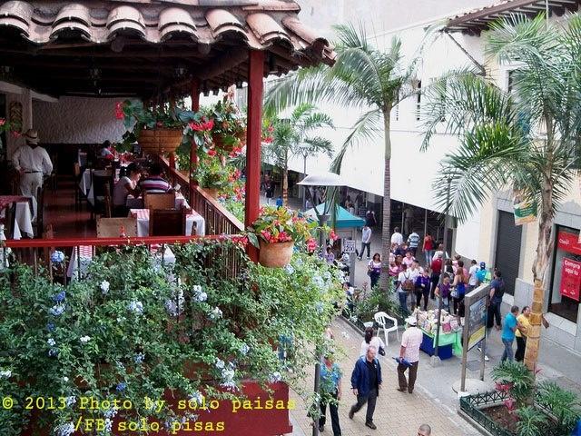 Pasaje junin, medellin. Colombia