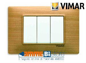 Placca 3 posti Vimar Plana 14653.63  #vimar #seriecivile #plana #prezzoplacche #arredare #arredamento #design #illuminazione #interni #emmebistore #placca #legno #ciliegio