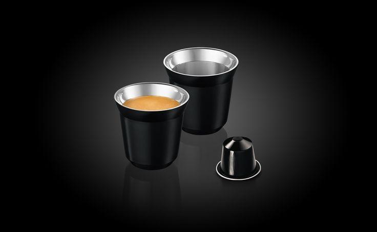 Bestel nu de Pixie Ristretto Espresso Kopjes, een set van 2 rvs espressokopjes in de kleur van Nespresso Ristretto Grand Cru.