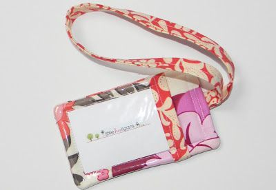 fat quarter friday {fabric luggage tag tutorial}...free