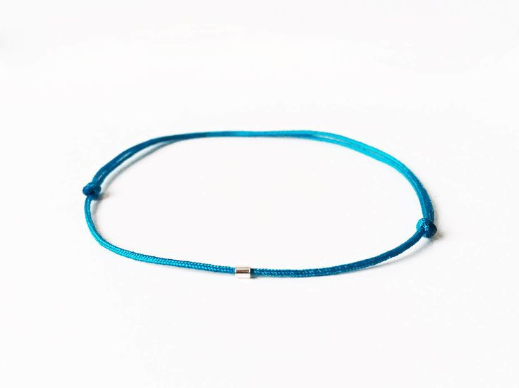 Bracelet fil BLEU TURQUOISE 1 petite perle en argent massif 925 Bracelet minimaliste Femme Homme Ado Chance Ami Amour Collection été 2017 de la boutique BBSdeParis sur Etsy