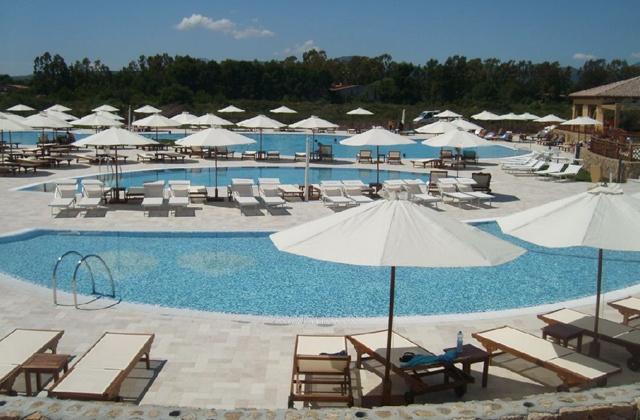 Piscine du Club Marmara Sardegna 4* #Vacances #Voyages