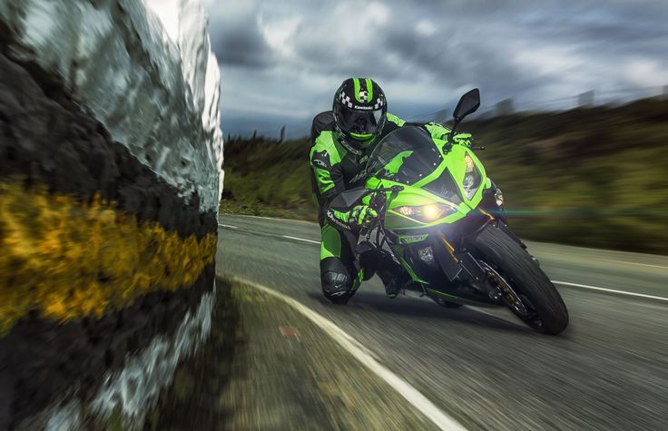 New 2013 Kawasaki Ninja 636 take it for a spin at Isle of Man!  This gives me goosebumps!