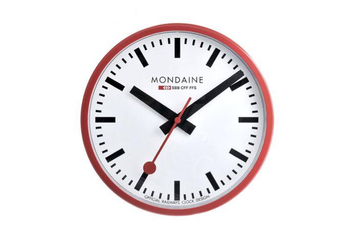 Moma - modained swiss railway clock