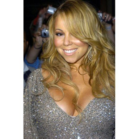 Mariah Carey At In-Store Appearance For The Emancipation Of Mimi Ultra Platinum Edition Canvas Art - (16 x 20)