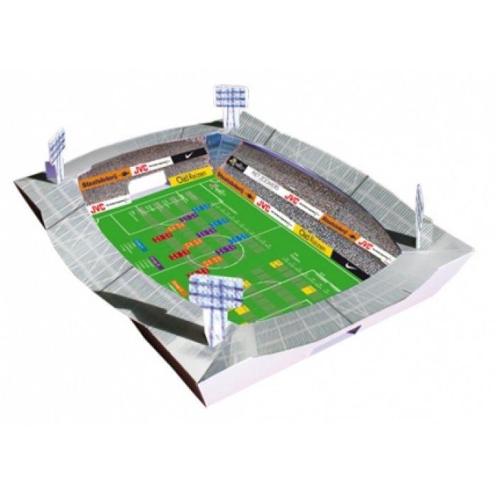 Een voetbalstadion, met uw eigen reclame of die van uw relaties. Een leuk speelschema om aan de muur te hangen, maar met de meegeleverde rietjes en balletje, kan er ook nog blaasvoetbal gespeeld worden! - Relatiegeschenken