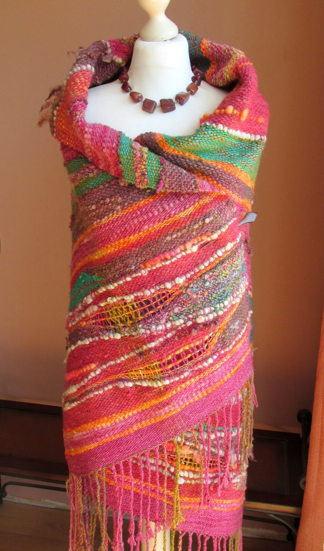 Handwoven Saori Wrap Shawl,Saori Large Wool Wrap,Poncho,Woven Art Yarn Wrap Shawl.Free Style Weaving,Outlander,Handspun Hand Woven,                                                                                                                                                      Más