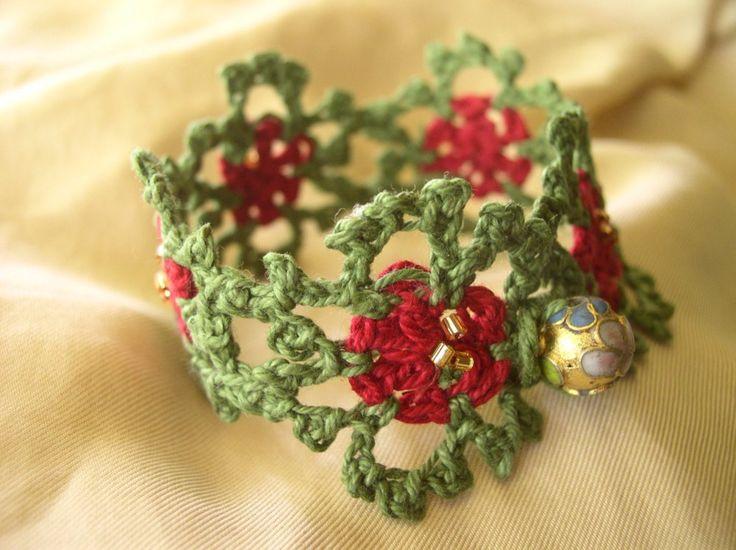 FATIMA CROCHET: Christmas Motifs Bracelet