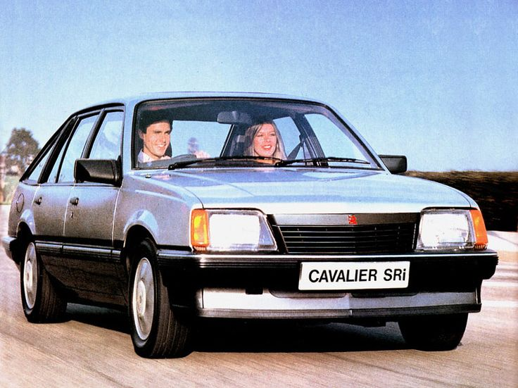 1989 Vauxhall Cavalier SRI. This as the car of the moment for a while before being surpassed by the Golf Gti. Yes there was one in the family.