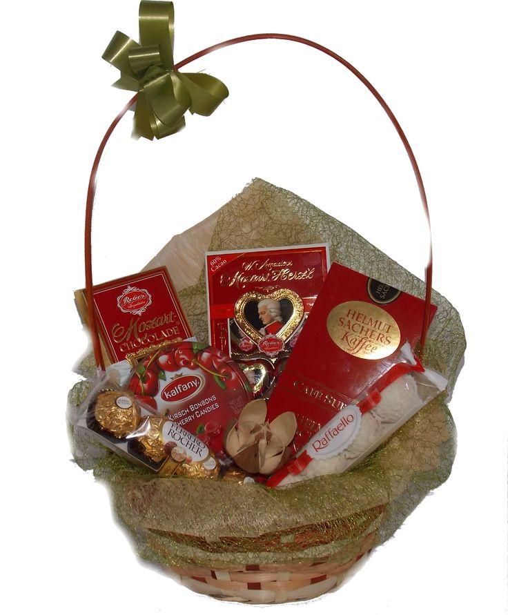 Cos cadou Mozart dulciuri www.venellagift.ro