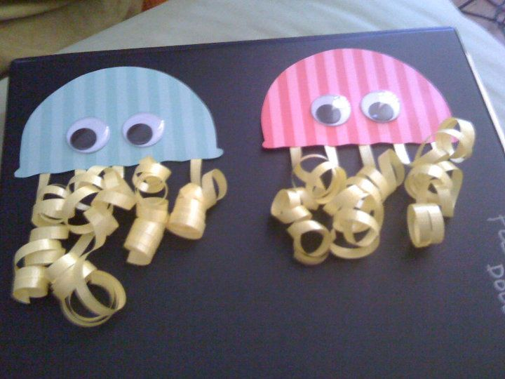 Adorable jellyfish! Cool for my under the sea unit! Follow us at www.gr8speech.com and meet Gr8 Speech therapists.