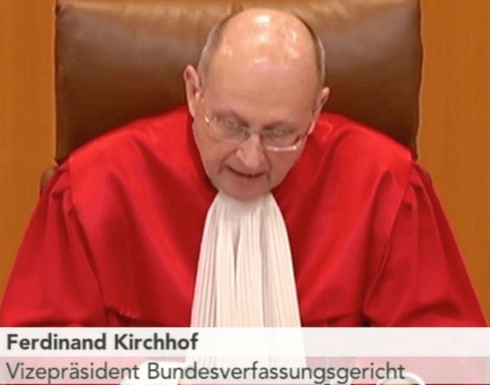 Warum sollte Verfassungsrichter Ferdinand Kirchhof etwas gegen GEZ haben, die sein Vorgänger und älterer Bruder Paul Kirchhof 2010 für richtig begutachtete?