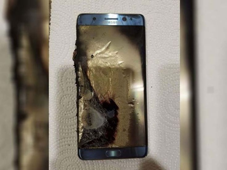 EUA proíbem Samsung Note 7 em voos. Autoridades norte-americanas proibiram o smartphone Samsung Electronics Galaxy Note 7 em todos os voos...