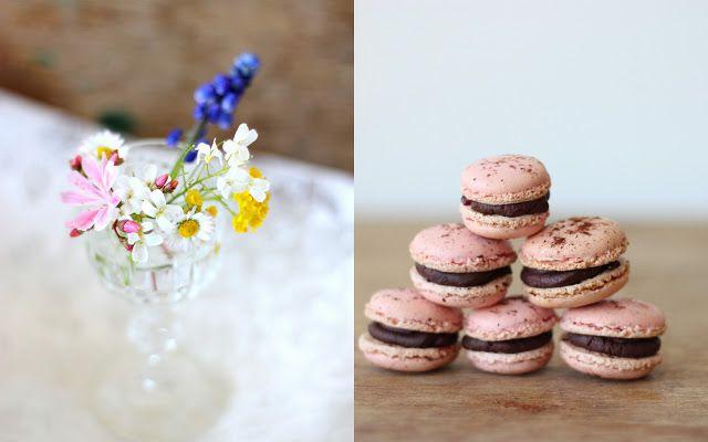 Mikyna v kuchyni: Malinové makronky s čokoládovou ganache / Raspberry macarons with chocolate ganache