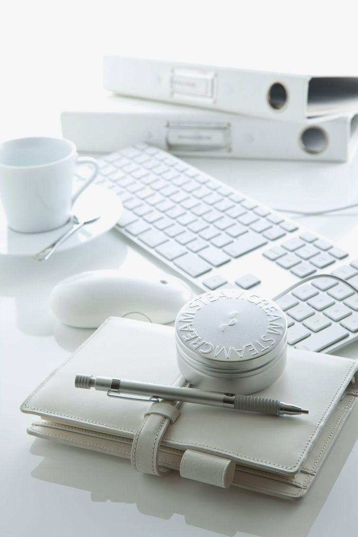 STEAMCREAM biedt directe hydratatie voor droge handen. Stemcream is dan ook onmisbaar op je bureau!